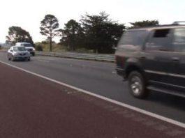 man-runs-highway-101-traffic-flees-officers
