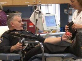 local-law-enforcement-donates-blood-alongside-community